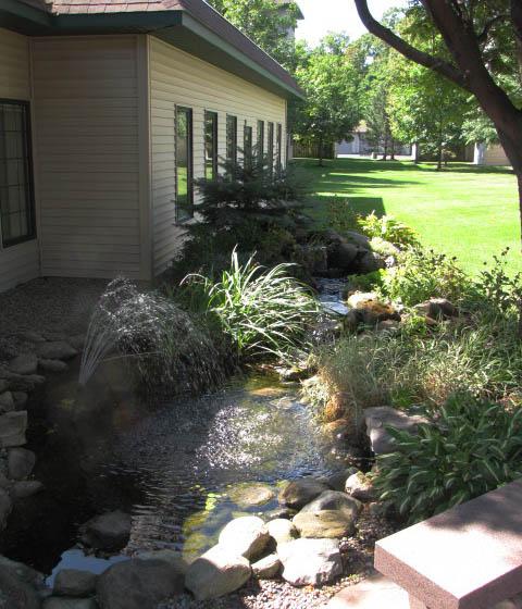 shade-garden-at-avila